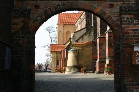 Kościół par. pw. św. Andrzeja Apostoła